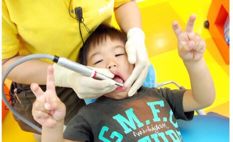 ムシ歯にならないための専門プログラム