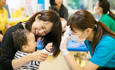お子さんだけでなく親御さんもしっかりムシ歯リスクチェック